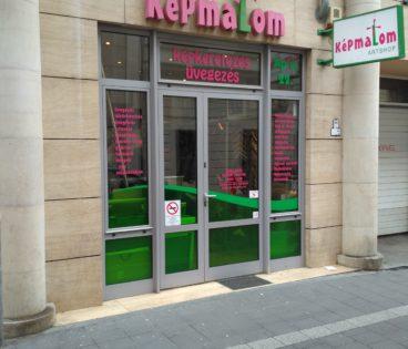 Üzletünk bejárata -képkeretezés, képkeretező, Budapesten.